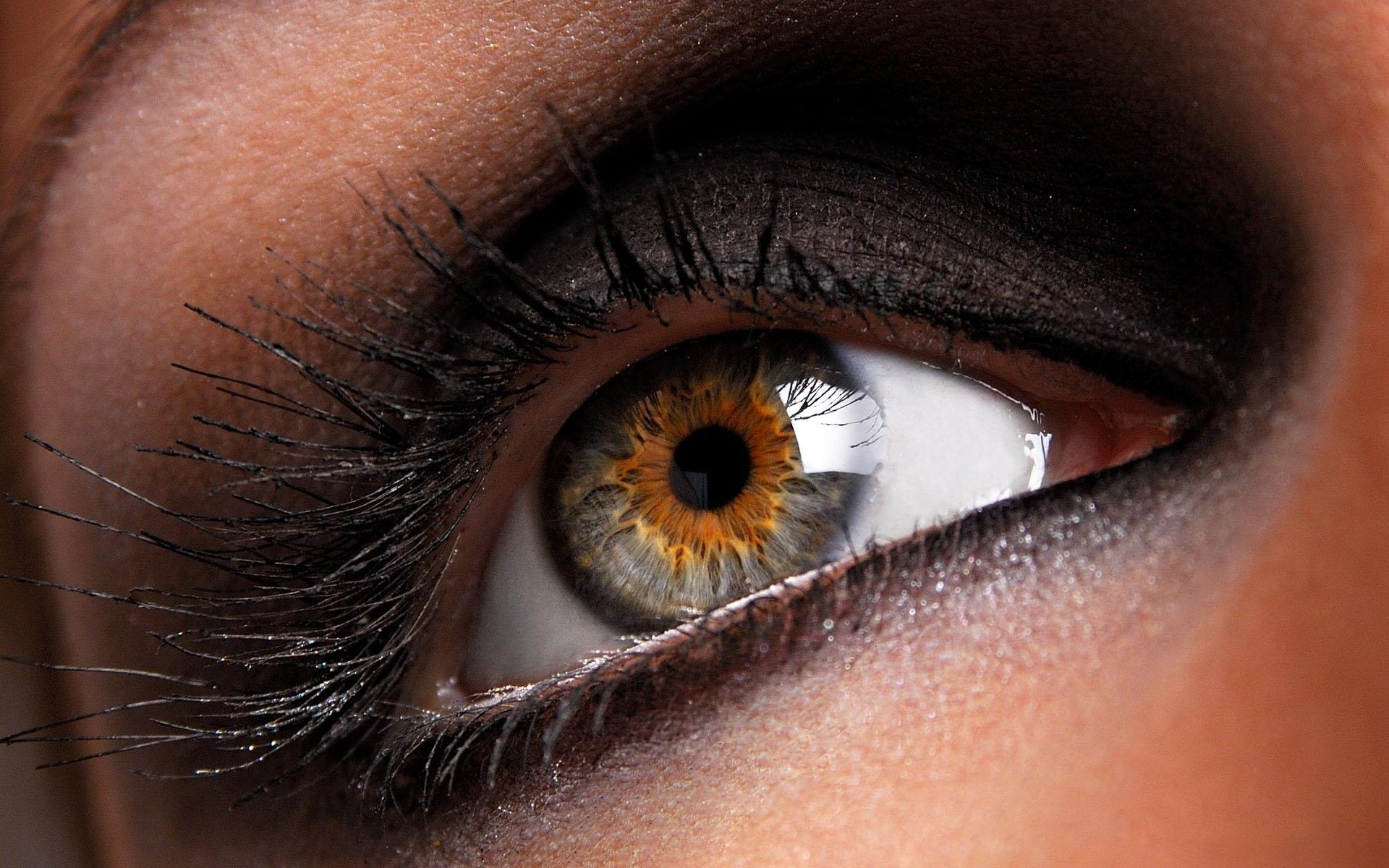 Фото карего глаза девушек