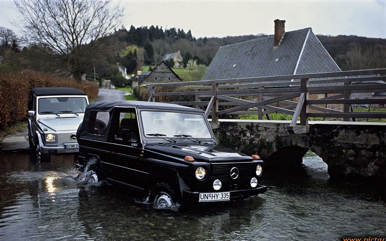 Гелик едет по воде - Картинки Авто