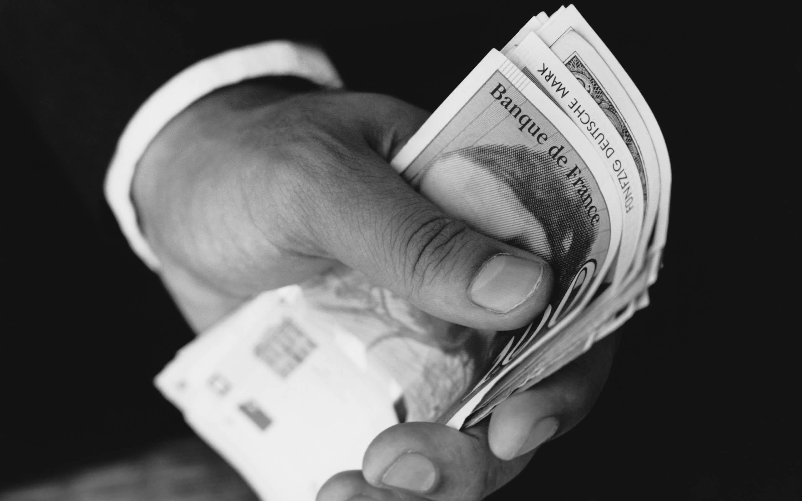 Картинка деньги в руке - Картинки Деньги - Бесплатные ...: http://pictar.ru/img-dengi-v-ruke-27985.htm