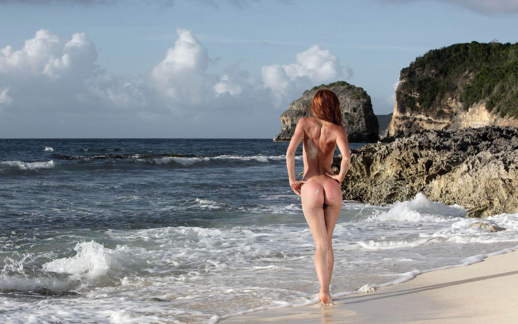 Фото голых парней с пісками 12 фотография
