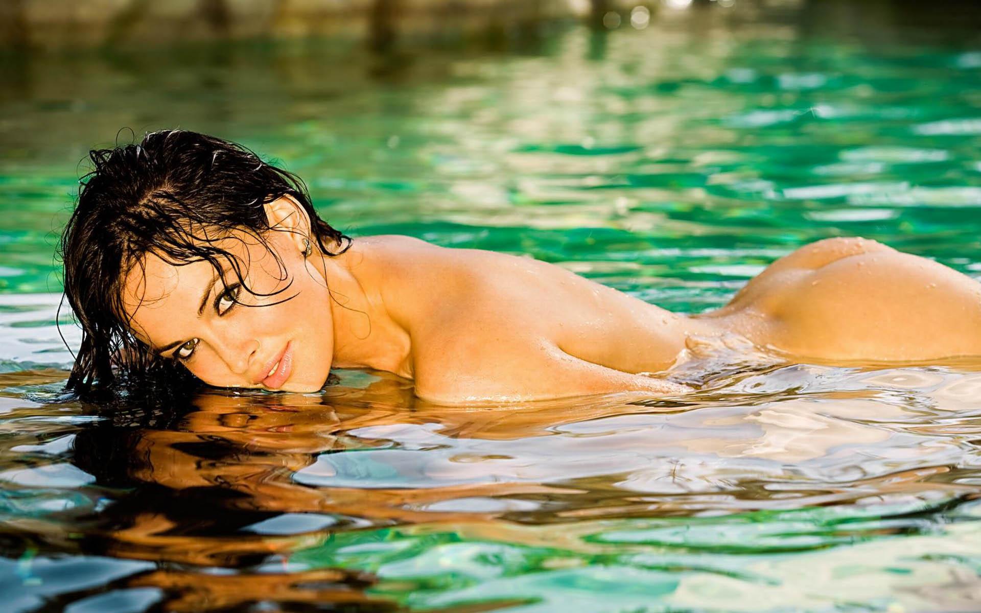 Сексуальные девушки вода 4 фотография